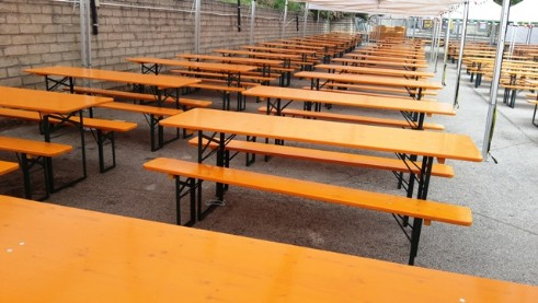 Affitto noleggio tavoli e panche set birreria abruzzo - Tavolo matto porto potenza ...